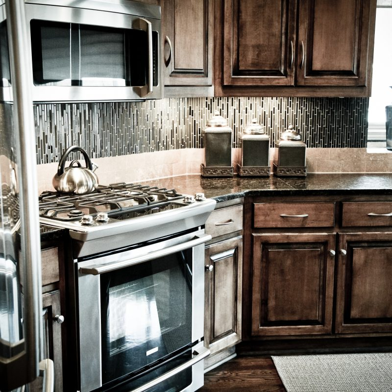 Kitchen Backsplash & Counters
