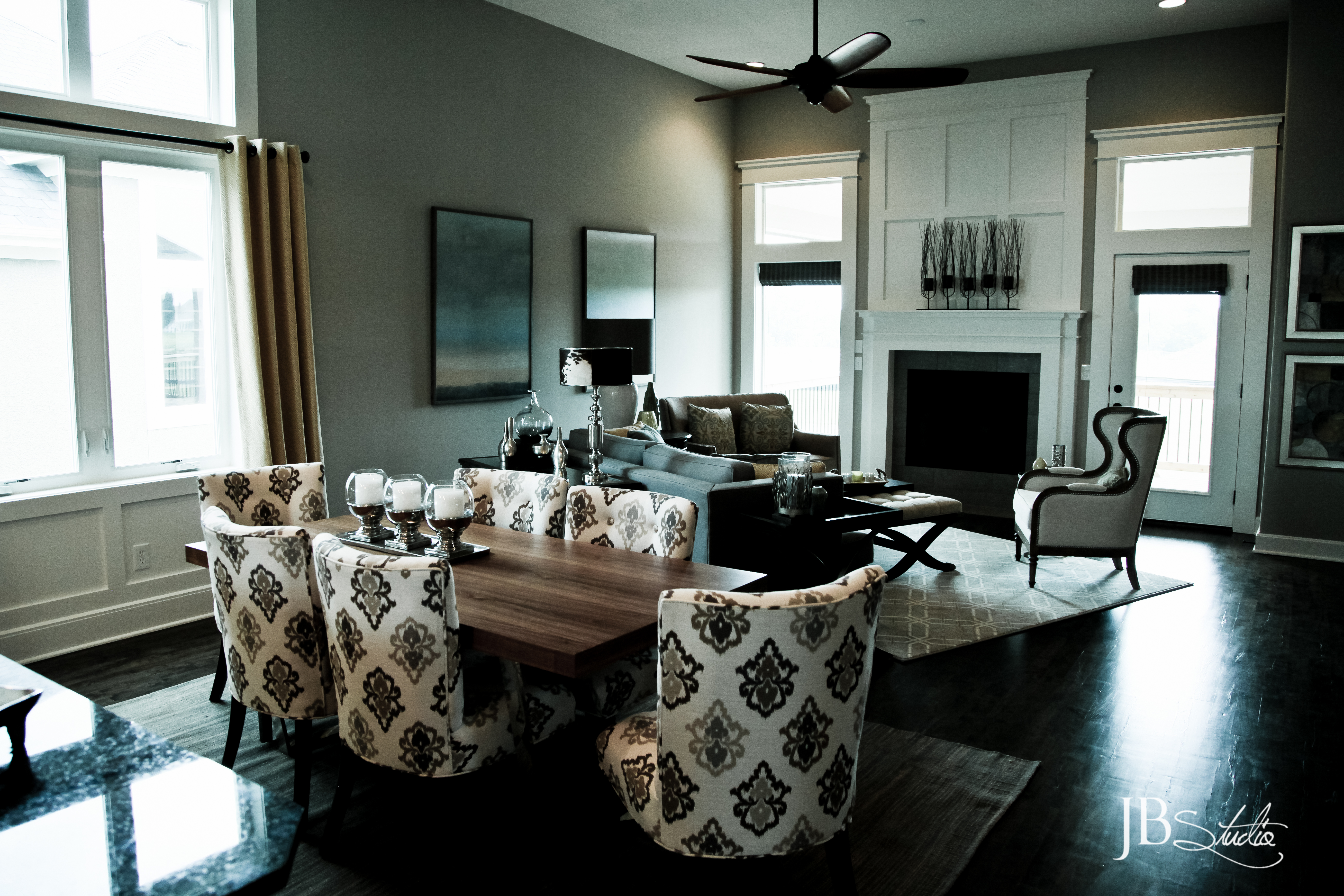 Family room view srs design interior design north kansas for Interior designer design kansas city